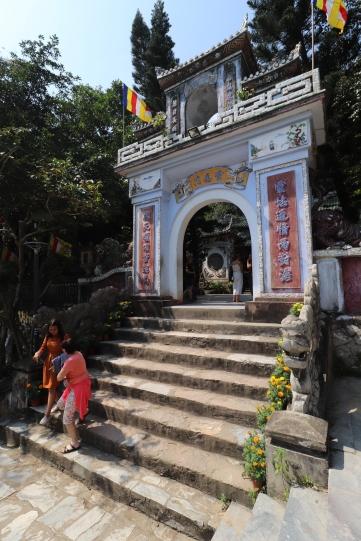 EntranceMarbleMountainHoiAn.jpg