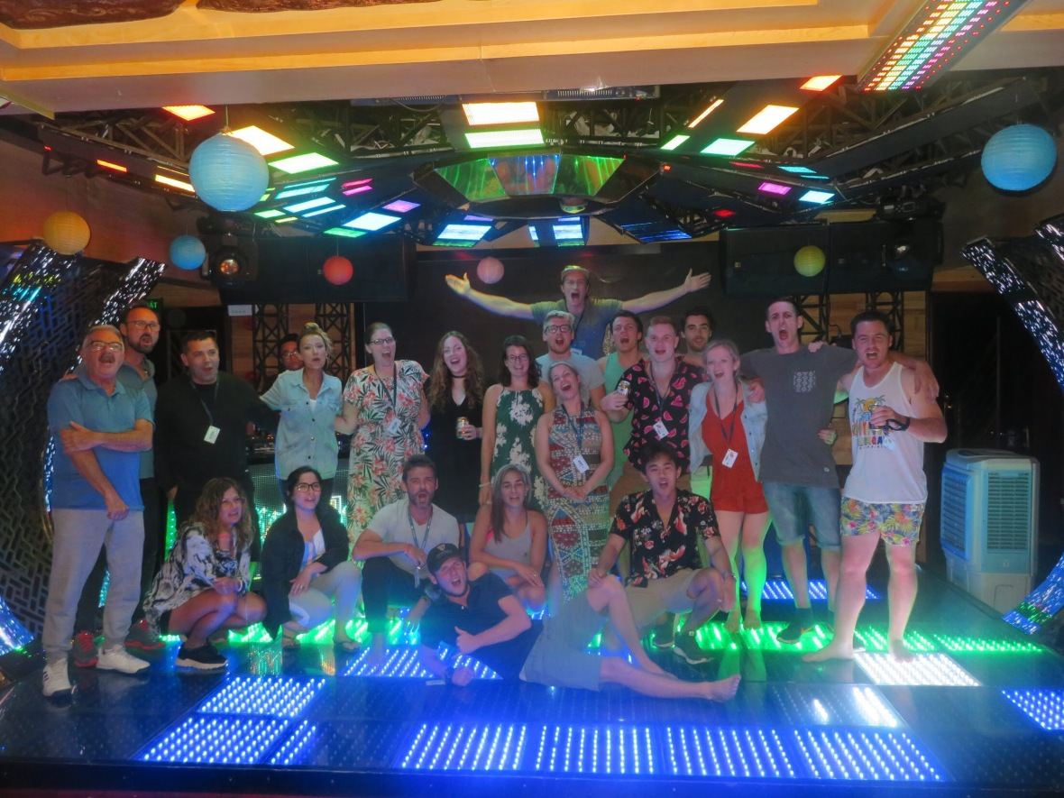 HalongBayPartyCruiseGroup.jpg
