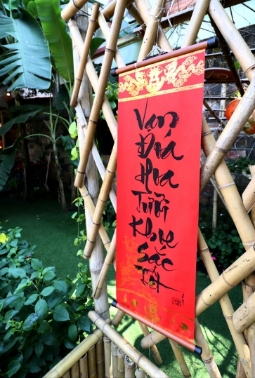 Hanoi-Craft-Market-Calligraphy