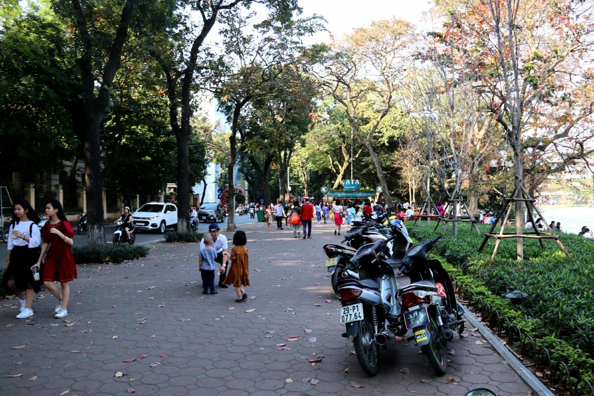 Hoan-Kiem-Lake-Hanoi