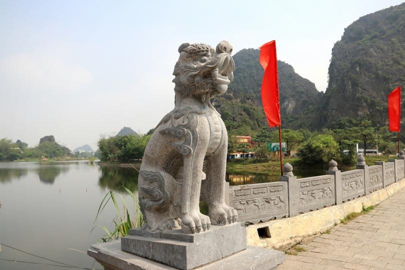 Pagoda-Lion-Vietnam